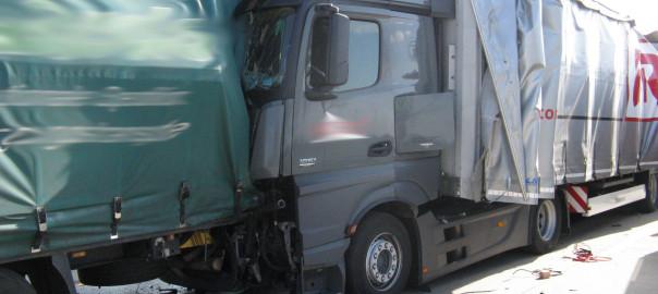 15.04.2015 – Auffahrunfall auf der BAB A1 Richtung Bremen