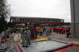 B_Übung Gefahrgut Lohne Bild KPW 03-15-1