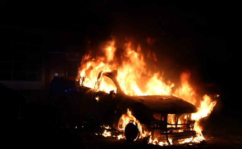 27.05.2015 – Pickup brennt auf Firmengelände