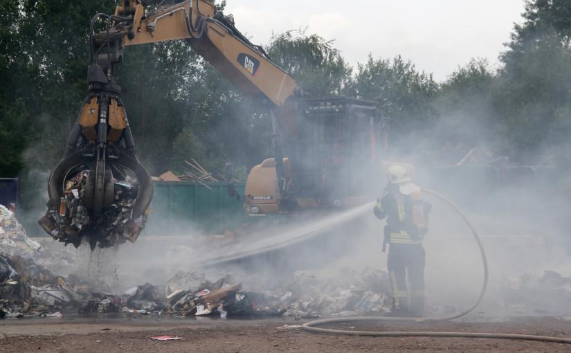 18.06.2015 – Brand auf einer Müllumschlagstation