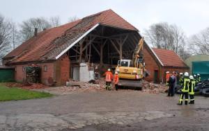 172-2-50 B1_BRA_Niklas zerstört Bauernhaus_Wk