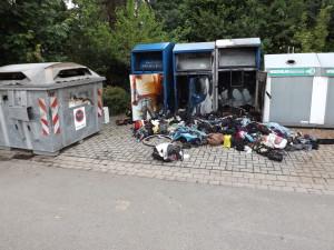 B_Vörden Altkleidercontainer Bild VOE 02-15-1