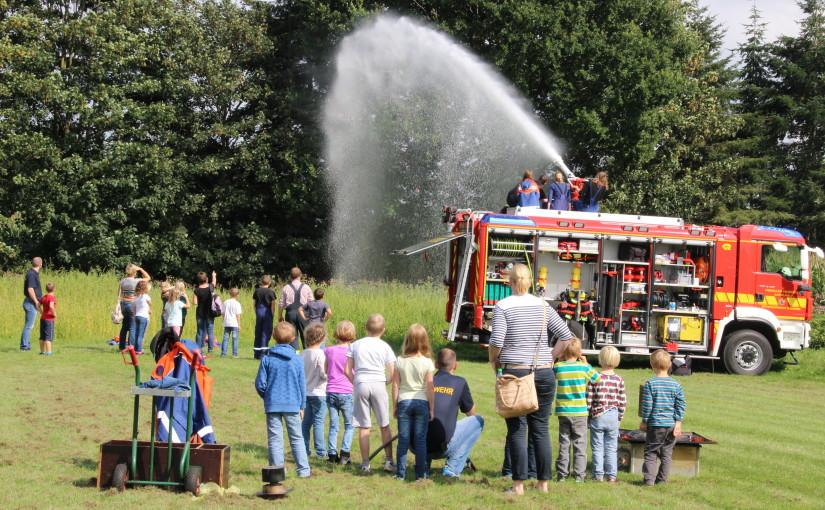 28.08.2015 – Ferienpassaktion bei der Feuerwehr Scharrel