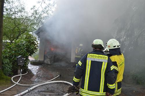 28.07.2015 – Doppelgarage mit Oberwohnung ausgebrannt