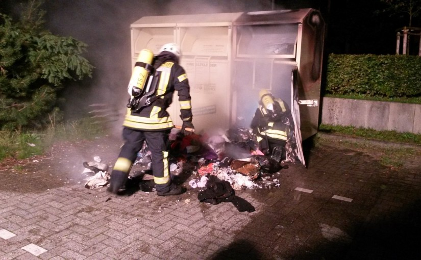 24.09.2015 – Altkleidercontainer brannte auf Parkplatz eines Supermarktes