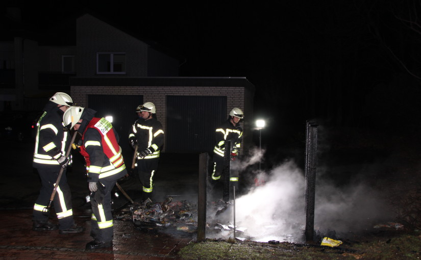04.02.2016 – Mülltonnen brennen in Scharrel