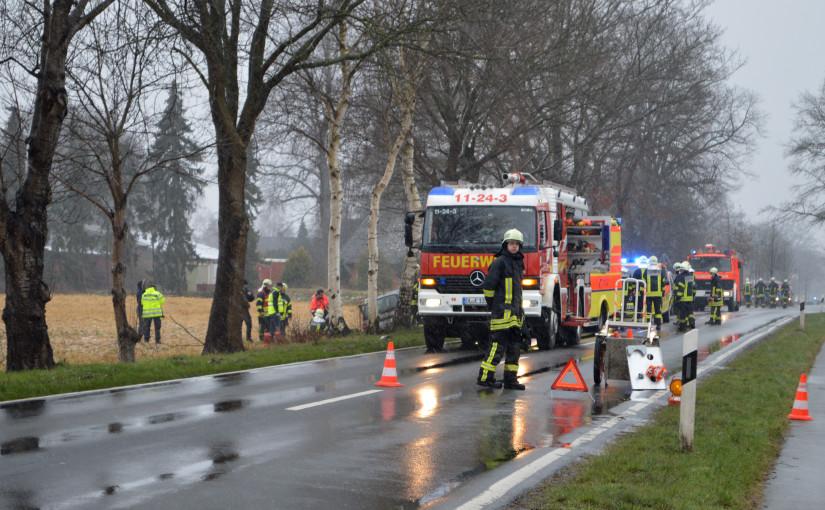 14.02.2016 – Tödlicher Verkehrsunfall, Pkw gegen Baum geprallt