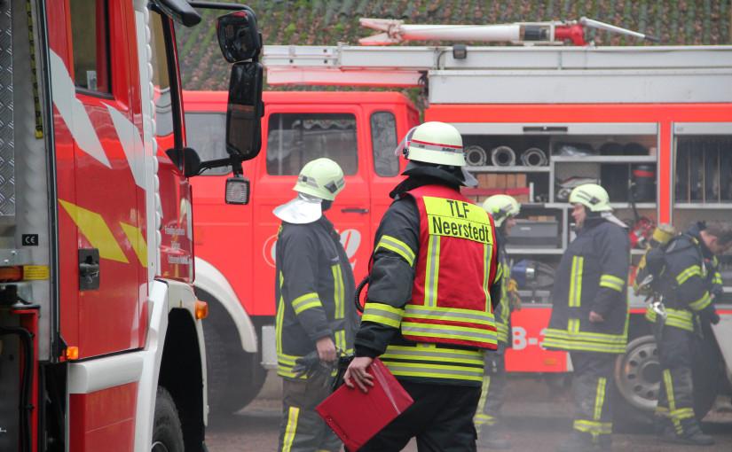 10.01.2016 – Historische Feuerwehrfahrzeuge vor der Zerstörung bewahrt