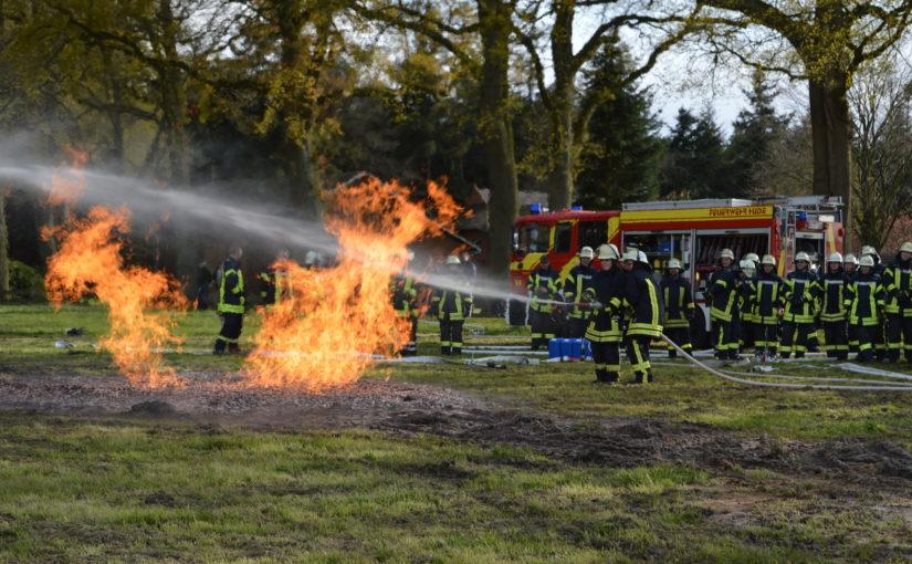 28.04.2016 – Gasbrandübung der Feuerwehren aus der Gemeinde Hude