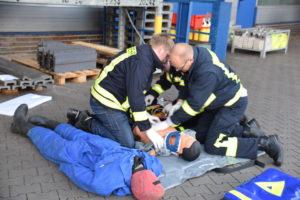 bild-3-die-first-responder-teams-kuemmerten-sich-um-die-verletzten-personen