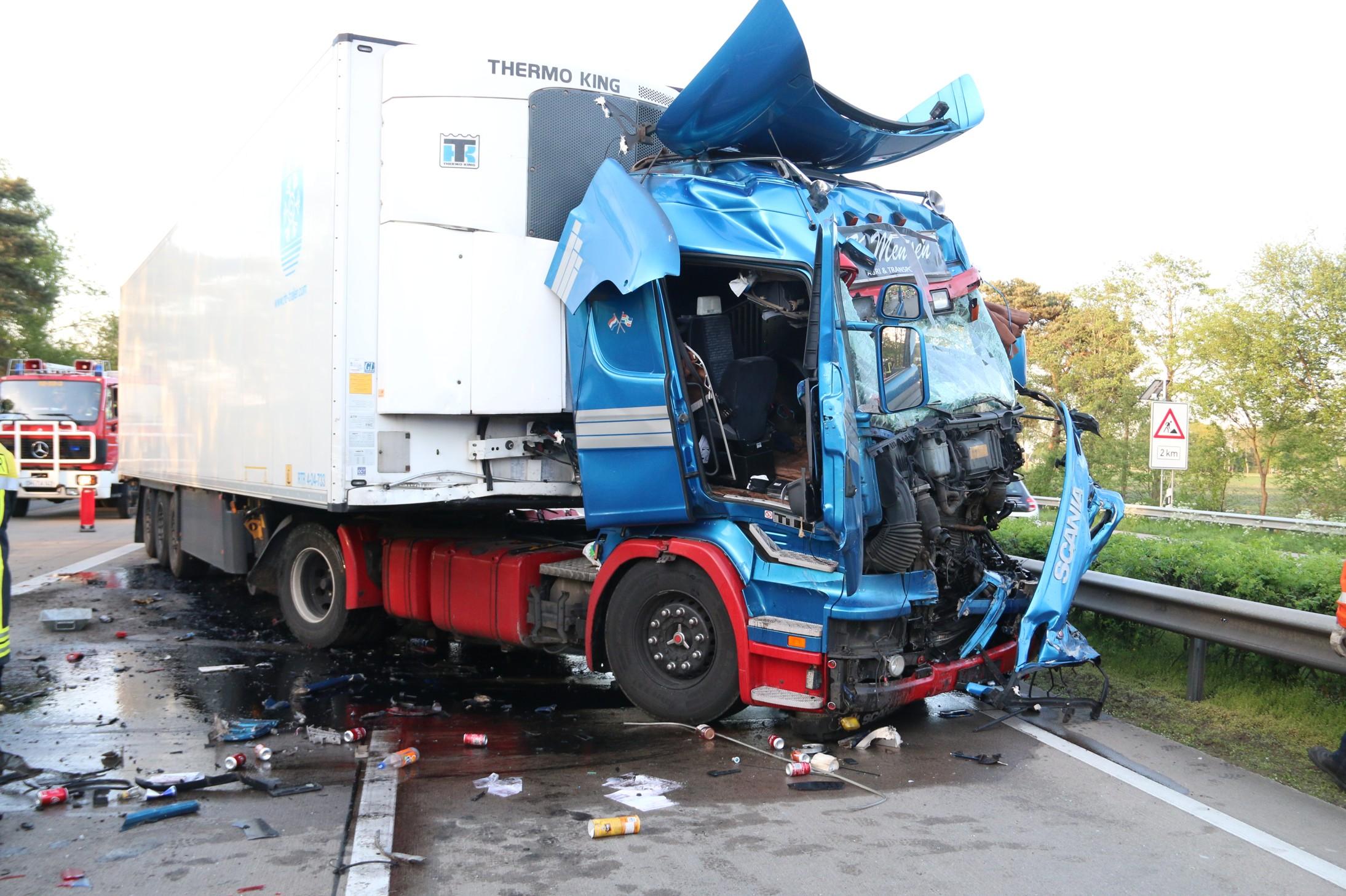 Bilder Lkw Unfall
