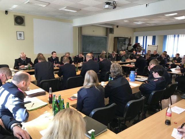 Die Delegiertenversammlung des Bezirks Weser-Ems in der Feuerwehrtechnischen Zentrale in Leer / Bild: Lehmann