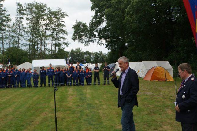 Schirmherr und Bürgermeister der Gemeinde Jade, Henning Kaars, freut sich auf eine schöne Woche. / Bild: Christian Bahrs